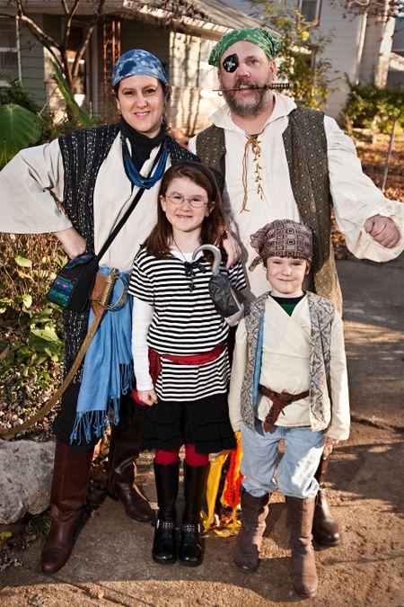 09 Halloween family